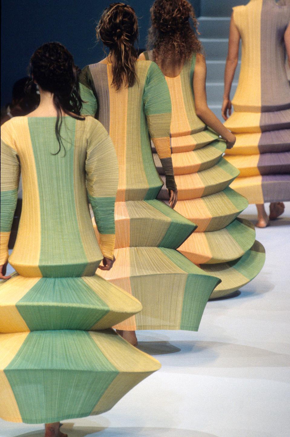 ıssey Flying Saucer dress